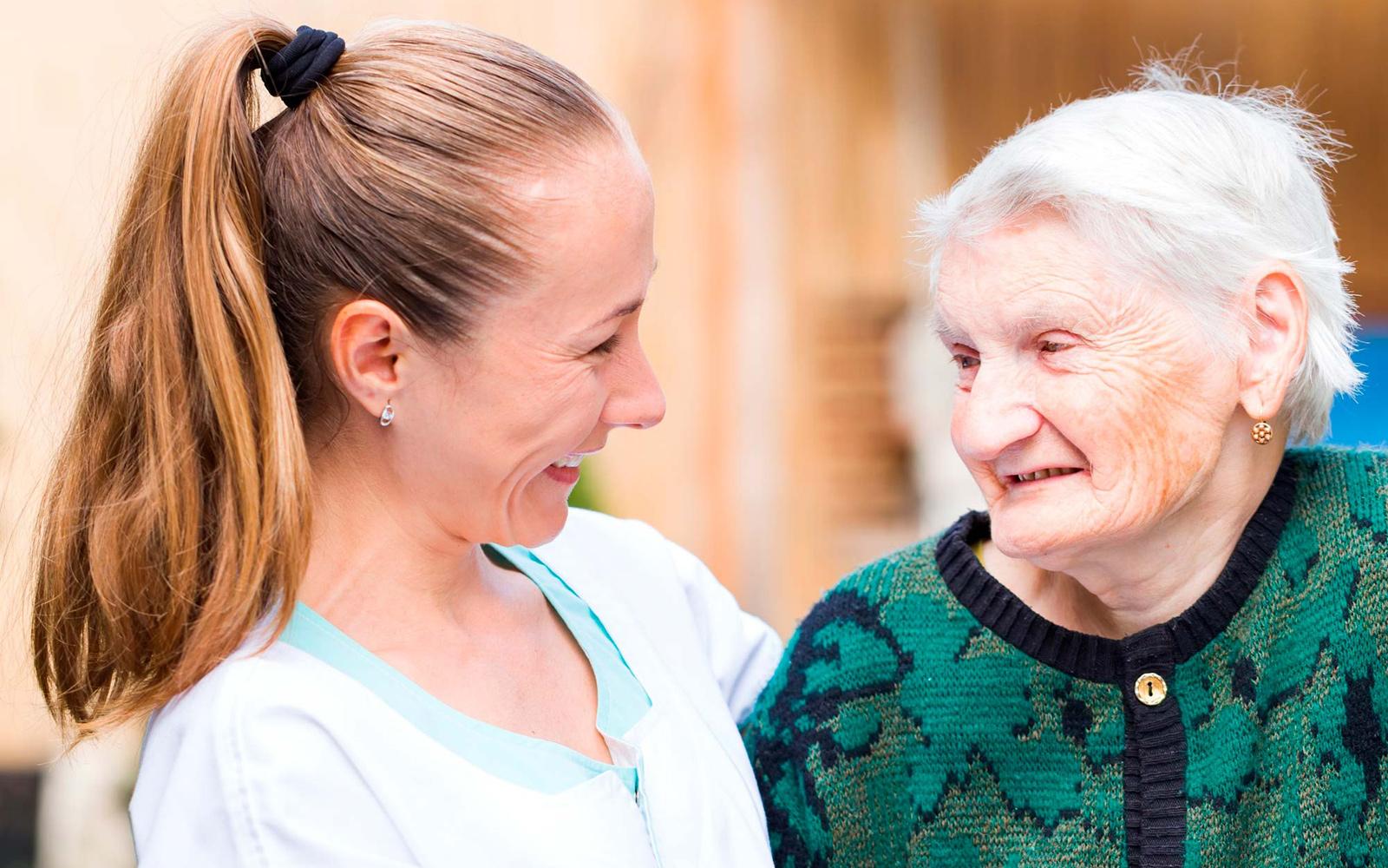 Cuidado de ancianos y personas dependientes